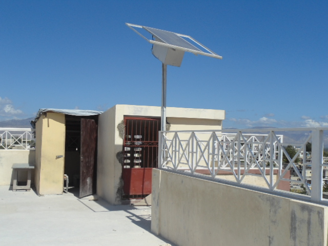 LGF install solar on the roof of the MUSPAN school